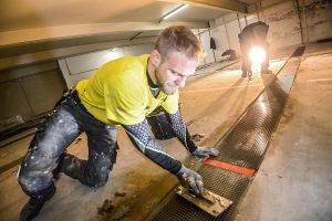Carbonbeton wird auf der Baustelle im Laminierverfahren eingebaut.